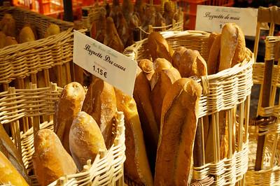 483 Amboise market 85